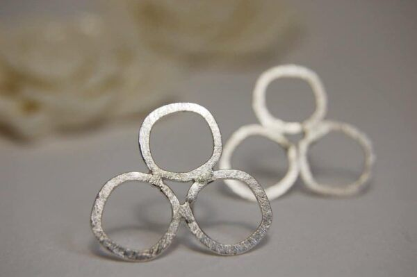 circles studs in silver