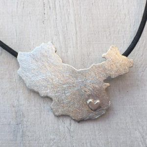 China Necklace with Heart